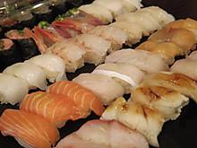 お寿司もすすみます